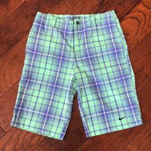 Boys large Nike golf shorts